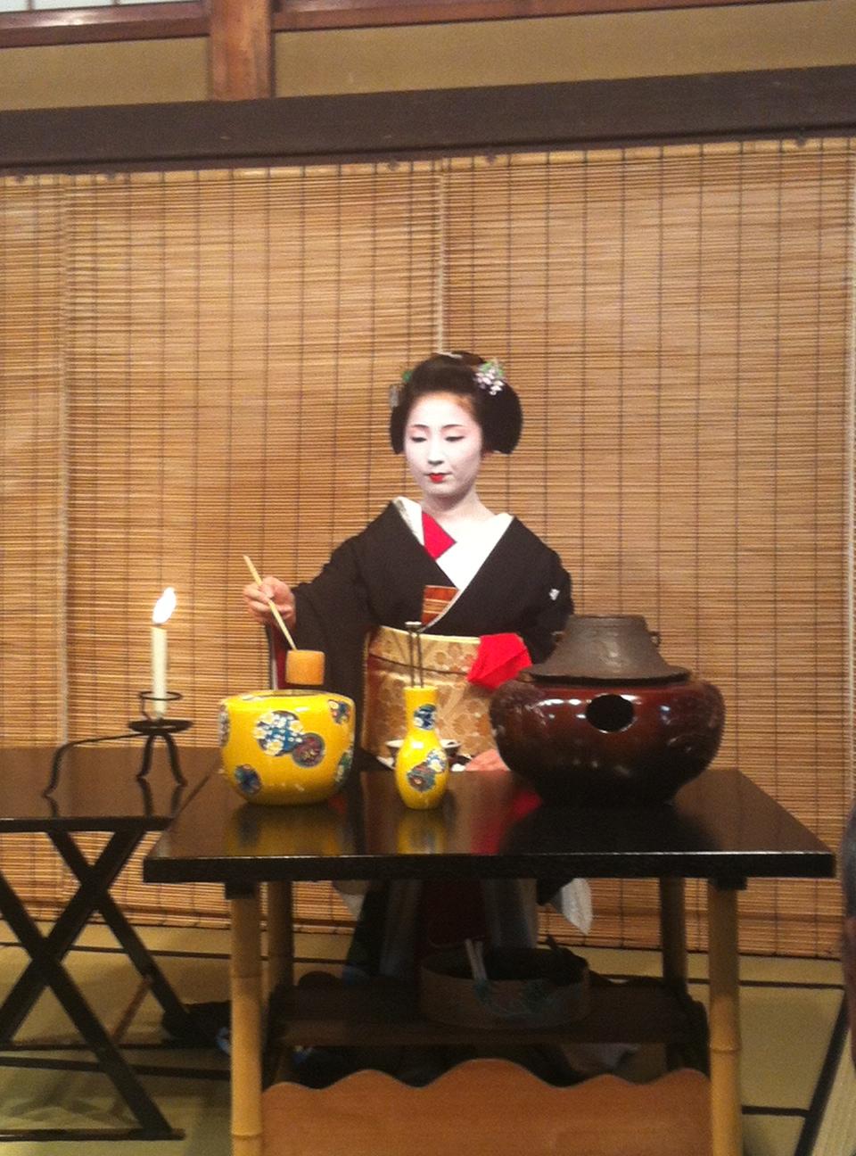 Geisha tea ceremony
